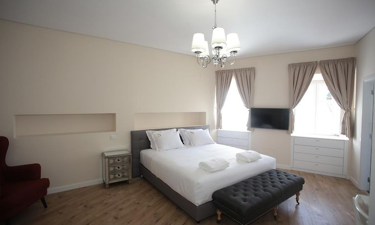 Suites Guest House Cascais Book Hotel Rooms In Cascais At